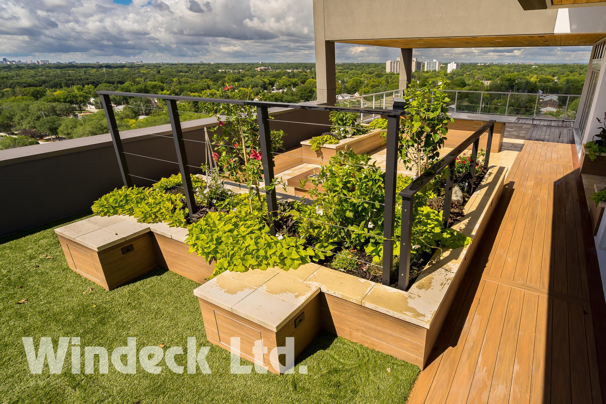 Maintenance Free Planter Boxes - Windeck Ltd. - Deck Builder Winnipeg, Manitoba