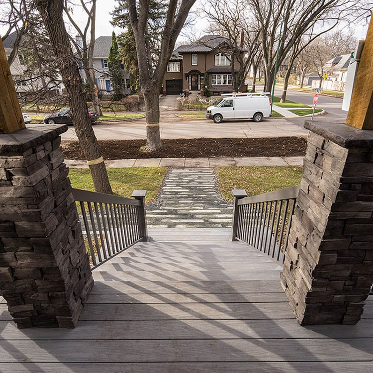 Colonial Concepts - Windeck Ltd. - Deck Builder Winnipeg, Manitoba