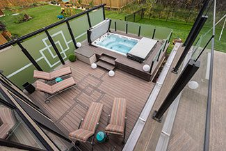 S.T.A.R. Glass Railing - Deck Builders Winnipeg - Railing Winnipeg - Winnipeg Railing Installer - Aluminum Railing - Windeck Ltd.