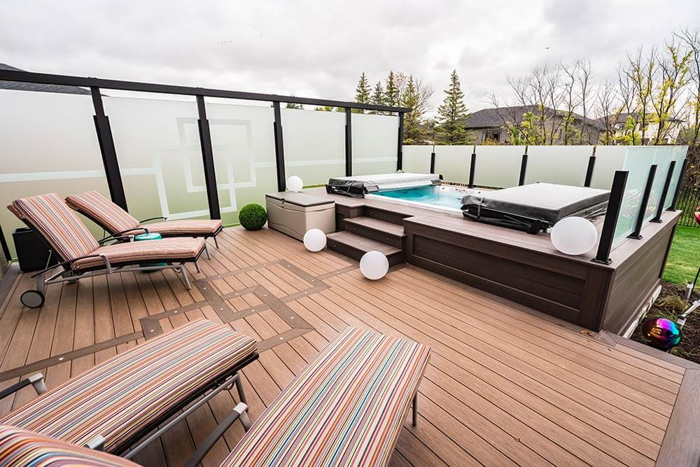 Urban Privacy Paradise - Windeck Ltd. - Composite Decking Winnipeg, Manitoba